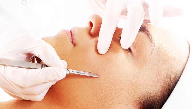 Dermaplanning At Home & Why Professional Dermaplanning Is Better